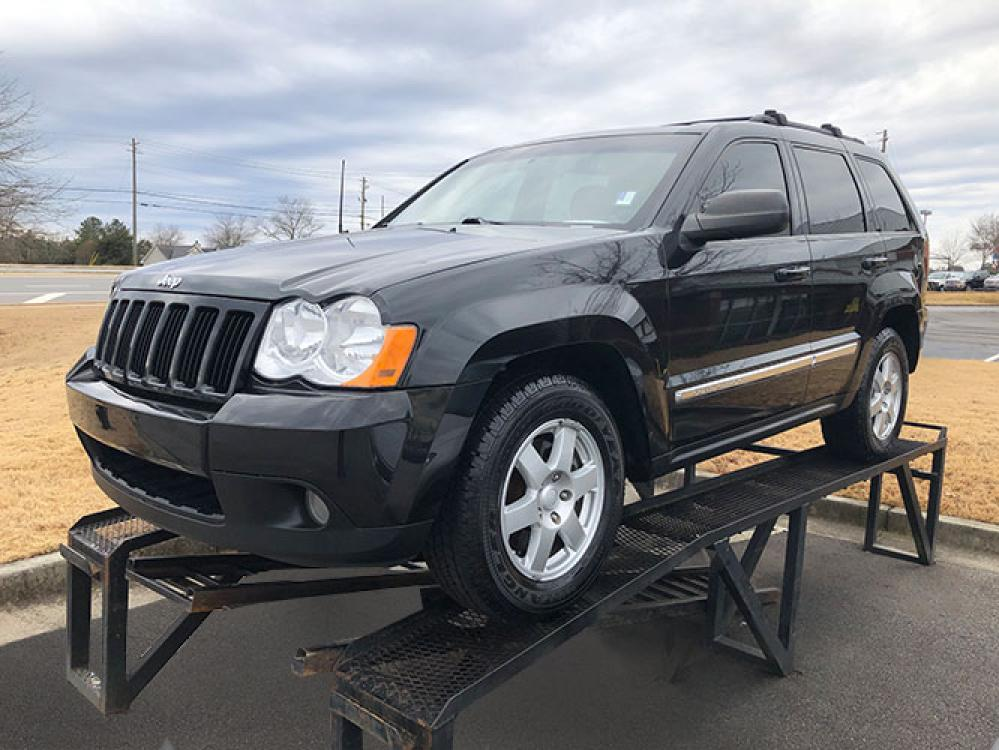 2010 Jeep Grand Cherokee Laredo 2WD (1J4PS4GK2AC) with an 3.7L V6 SOHC 12V engine, 5-Speed Automatic transmission, located at 4247 Buford Drive NE, Buford, GA, 30518, (678) 450-1000, 34.086857, -83.993004 - Photo #2