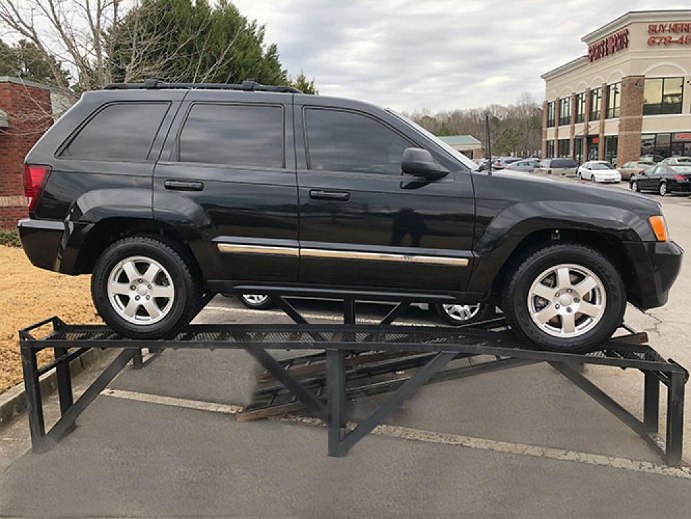 2010 Jeep Grand Cherokee Laredo 2WD (1J4PS4GK2AC) with an 3.7L V6 SOHC 12V engine, 5-Speed Automatic transmission, located at 4247 Buford Drive NE, Buford, GA, 30518, (678) 450-1000, 34.086857, -83.993004 - Photo #7