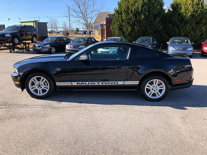 2010 Ford Mustang V6 Coupe (1ZVBP8ANXA5) with an 4.0L V6 OHC 12V engine, located at 4247 Buford Drive NE, Buford, GA, 30518, (678) 450-1000, 34.086857, -83.993004 - Photo #3