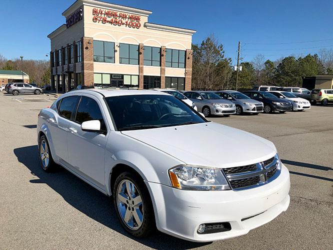 2014 Dodge Avenger SXT (1C3CDZCB1EN) with an 2.4L L4 DOHC 16V engine, 6-Speed Automatic transmission, located at 4247 Buford Drive NE, Buford, GA, 30518, (678) 450-1000, 34.086857, -83.993004 - Photo #0