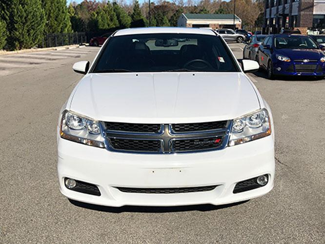 2014 Dodge Avenger SXT (1C3CDZCB1EN) with an 2.4L L4 DOHC 16V engine, 6-Speed Automatic transmission, located at 4247 Buford Drive NE, Buford, GA, 30518, (678) 450-1000, 34.086857, -83.993004 - Photo #1