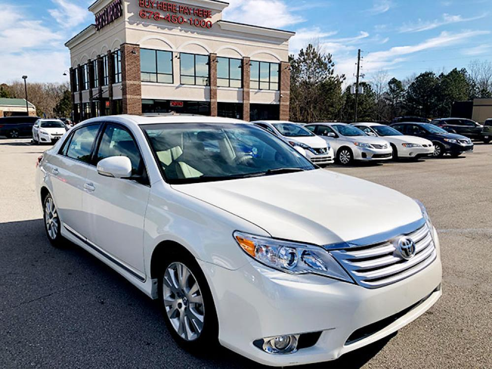2011 Toyota Avalon Base (4T1BK3DB9BU) with an 3.5L V6 DOHC 24V engine, 6-Speed Automatic transmission, located at 4247 Buford Drive NE, Buford, GA, 30518, (678) 450-1000, 34.086857, -83.993004 - Photo #0