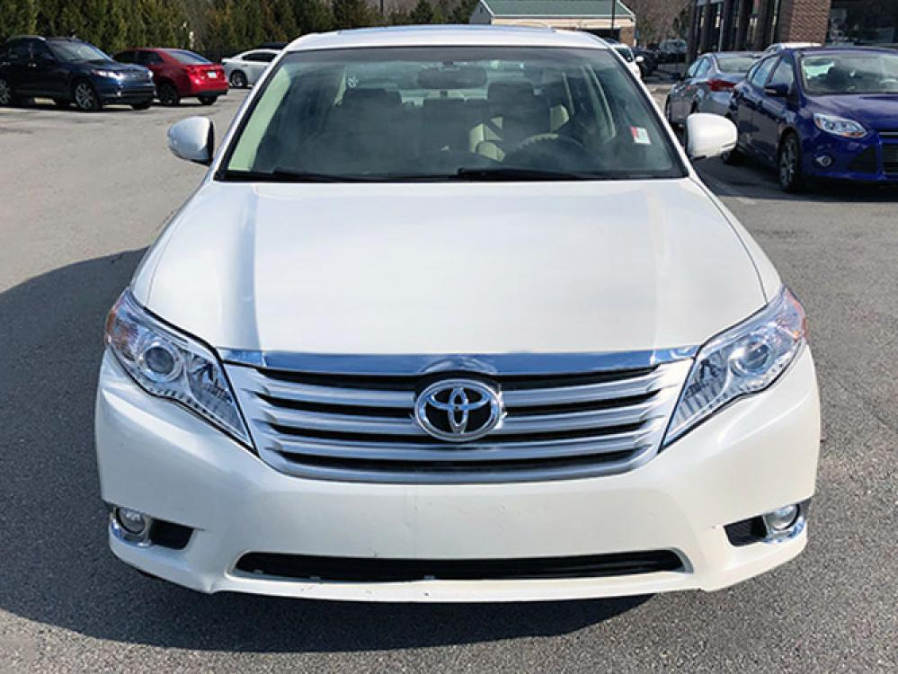 2011 Toyota Avalon Base (4T1BK3DB9BU) with an 3.5L V6 DOHC 24V engine, 6-Speed Automatic transmission, located at 4247 Buford Drive NE, Buford, GA, 30518, (678) 450-1000, 34.086857, -83.993004 - Photo #1
