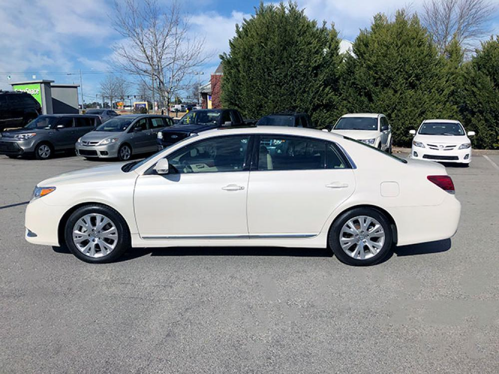 2011 Toyota Avalon Base (4T1BK3DB9BU) with an 3.5L V6 DOHC 24V engine, 6-Speed Automatic transmission, located at 4247 Buford Drive NE, Buford, GA, 30518, (678) 450-1000, 34.086857, -83.993004 - Photo #3