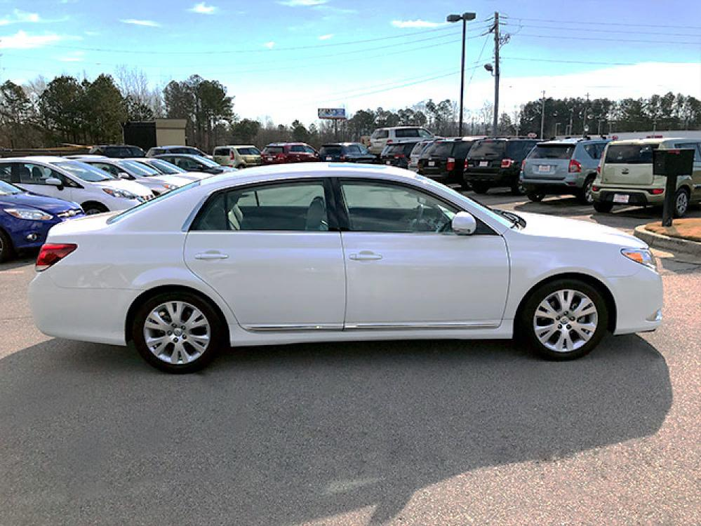 2011 Toyota Avalon Base (4T1BK3DB9BU) with an 3.5L V6 DOHC 24V engine, 6-Speed Automatic transmission, located at 4247 Buford Drive NE, Buford, GA, 30518, (678) 450-1000, 34.086857, -83.993004 - Photo #7