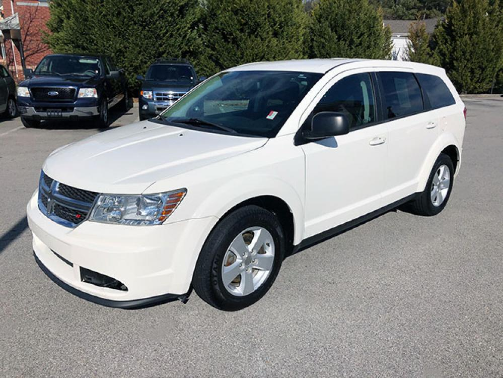2013 Dodge Journey SE (3C4PDCAB0DT) with an 2.4L L4 DOHC 16V engine, 4-Speed Automatic transmission, located at 4247 Buford Drive NE, Buford, GA, 30518, (678) 450-1000, 34.086857, -83.993004 - Photo #2