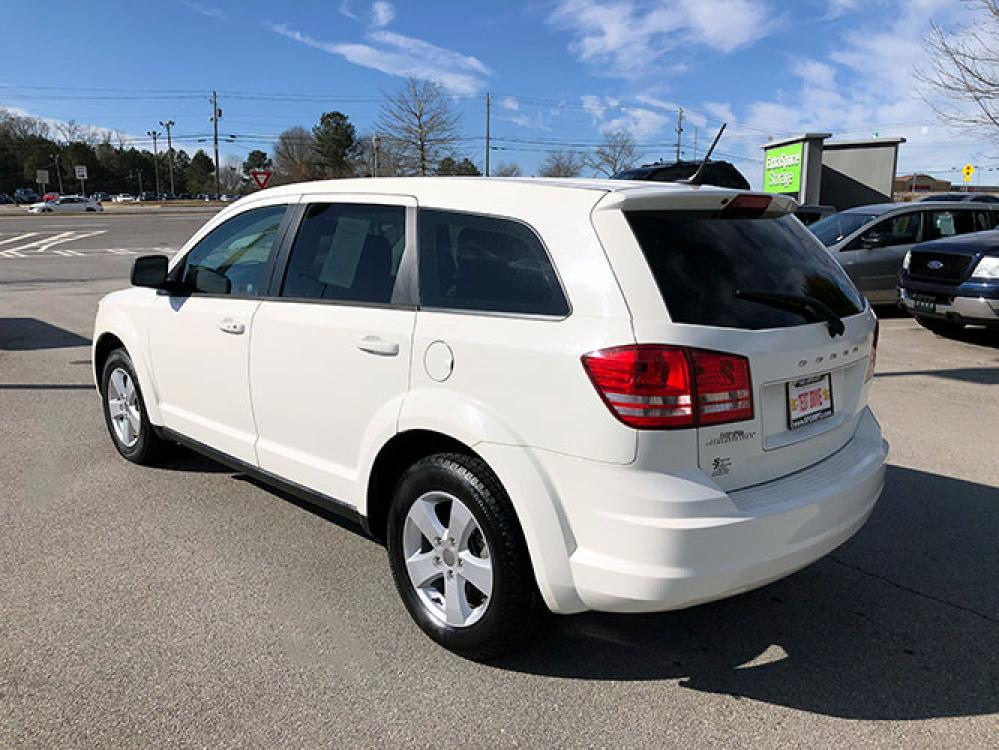 2013 Dodge Journey SE (3C4PDCAB0DT) with an 2.4L L4 DOHC 16V engine, 4-Speed Automatic transmission, located at 4247 Buford Drive NE, Buford, GA, 30518, (678) 450-1000, 34.086857, -83.993004 - Photo #4