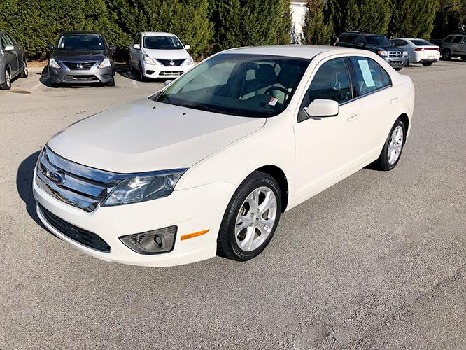 2012 Ford Fusion SE (3FAHP0HA5CR) with an 2.5L L4 DOHC 16V engine, located at 4247 Buford Drive NE, Buford, GA, 30518, (678) 450-1000, 34.086857, -83.993004 - Photo #2