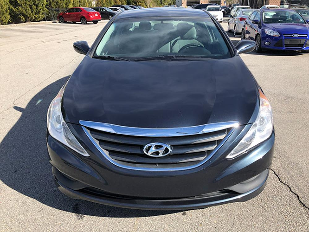 2014 Hyundai Sonata GLS (5NPEB4AC7EH) with an 2.4L L4 DOHC 16V engine, 6-Speed Automatic transmission, located at 4247 Buford Drive NE, Buford, GA, 30518, (678) 450-1000, 34.086857, -83.993004 - Photo #1