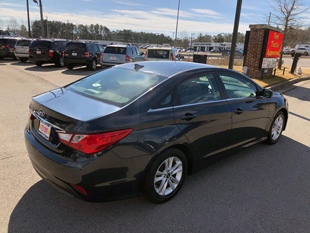 2014 Hyundai Sonata GLS (5NPEB4AC7EH) with an 2.4L L4 DOHC 16V engine, 6-Speed Automatic transmission, located at 4247 Buford Drive NE, Buford, GA, 30518, (678) 450-1000, 34.086857, -83.993004 - Photo #5