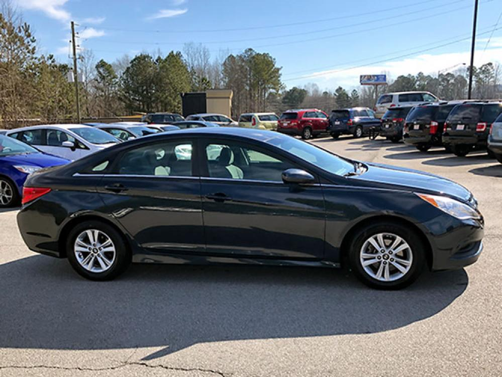 2014 Hyundai Sonata GLS (5NPEB4AC7EH) with an 2.4L L4 DOHC 16V engine, 6-Speed Automatic transmission, located at 4247 Buford Drive NE, Buford, GA, 30518, (678) 450-1000, 34.086857, -83.993004 - Photo #6