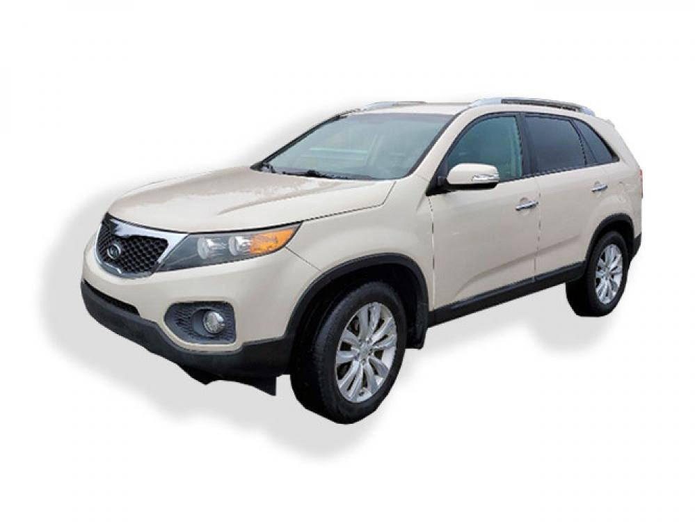 2011 Kia Sorento EX 2WD (5XYKU3A14BG) with an 2.4L L4 DOHC 16V engine, 6-Speed Automatic transmission, located at 4247 Buford Drive NE, Buford, GA, 30518, (678) 450-1000, 34.086857, -83.993004 - Photo #2