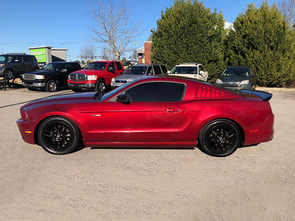2014 Ford Mustang V6 Coupe (1ZVBP8AM3E5) with an 3.7L V6 DOHC 24V engine, located at 4247 Buford Drive NE, Buford, GA, 30518, (678) 450-1000, 34.086857, -83.993004 - Photo #3