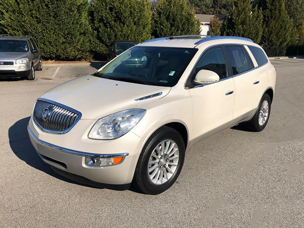 2012 Buick Enclave Leather FWD (5GAKRCED1CJ) with an 3.6L V6 DOHC 24V engine, 6-Speed Automatic Overdrive transmission, located at 4247 Buford Drive NE, Buford, GA, 30518, (678) 450-1000, 34.086857, -83.993004 - Photo #2