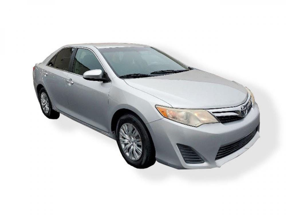 2013 Toyota Camry SE (4T1BF1FK9DU) with an 2.5L L4 DOHC 16V engine, 6-Speed Automatic transmission, located at 4247 Buford Drive NE, Buford, GA, 30518, (678) 450-1000, 34.086857, -83.993004 - Photo #0