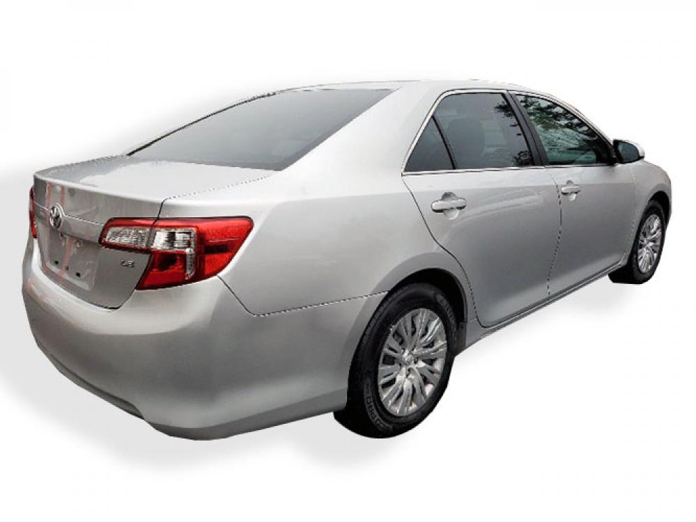 2013 Toyota Camry SE (4T1BF1FK9DU) with an 2.5L L4 DOHC 16V engine, 6-Speed Automatic transmission, located at 4247 Buford Drive NE, Buford, GA, 30518, (678) 450-1000, 34.086857, -83.993004 - Photo #5