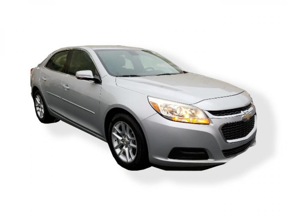 2015 Chevrolet Malibu 1LT (1G11C5SL1FF) with an 2.5L L4 DOHC 16V engine, 6-Speed Automatic transmission, located at 4247 Buford Drive NE, Buford, GA, 30518, (678) 450-1000, 34.086857, -83.993004 - Photo #0