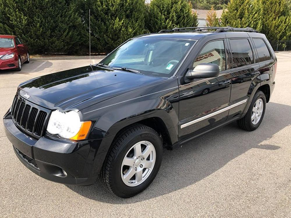 2010 Jeep Grand Cherokee Laredo 4WD (1J4PR4GK1AC) with an 3.7L V6 SOHC 12V engine, 5-Speed Automatic transmission, located at 4247 Buford Drive NE, Buford, GA, 30518, (678) 450-1000, 34.086857, -83.993004 - Photo #2