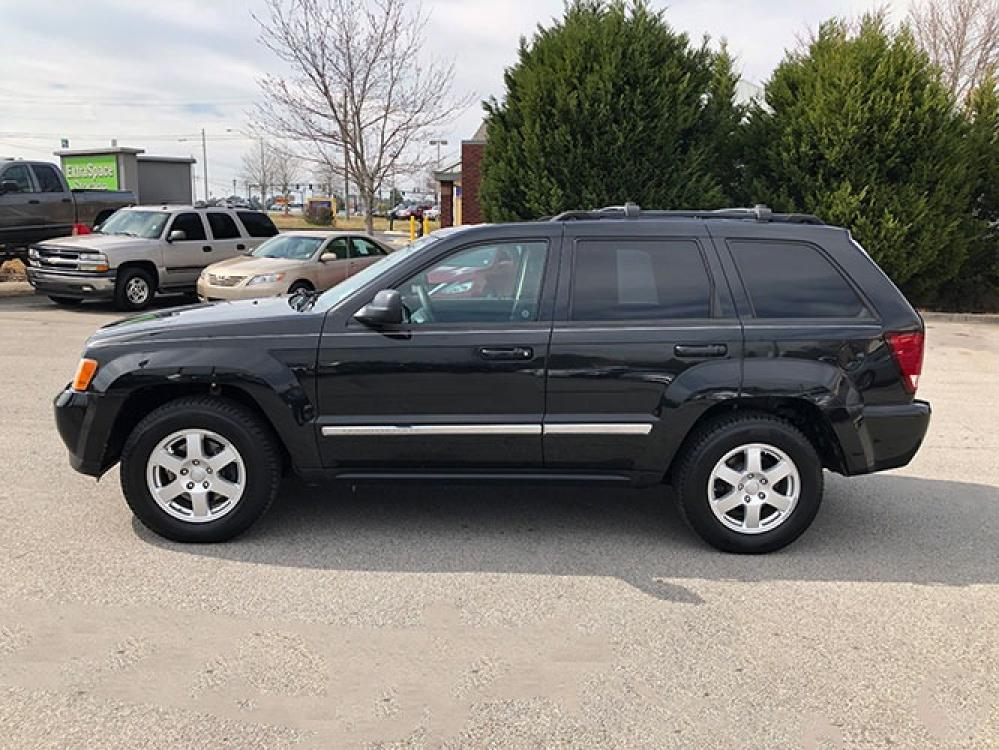 2010 Jeep Grand Cherokee Laredo 4WD (1J4PR4GK1AC) with an 3.7L V6 SOHC 12V engine, 5-Speed Automatic transmission, located at 4247 Buford Drive NE, Buford, GA, 30518, (678) 450-1000, 34.086857, -83.993004 - Photo #3