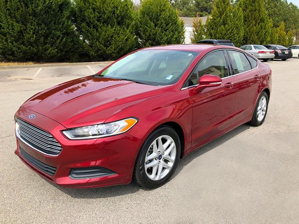 2016 Ford Fusion SE (1FA6P0H78G5) with an 2.5L L4 DOHC 16V engine, 6-Speed Automatic transmission, located at 4247 Buford Drive NE, Buford, GA, 30518, (678) 450-1000, 34.086857, -83.993004 - Photo #2