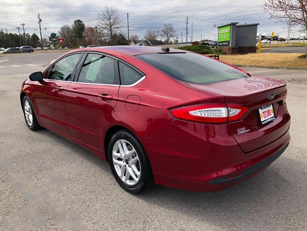 2016 Ford Fusion SE (1FA6P0H78G5) with an 2.5L L4 DOHC 16V engine, 6-Speed Automatic transmission, located at 4247 Buford Drive NE, Buford, GA, 30518, (678) 450-1000, 34.086857, -83.993004 - Photo #4