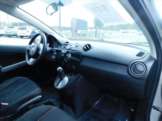 2011 Mazda MAZDA2 Sport (JM1DE1HY3B0) with an 1.5L L4 DOHC 16V engine, located at 4247 Buford Drive NE, Buford, GA, 30518, (678) 450-1000, 34.086857, -83.993004 - Photo #17