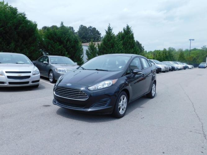 2014 Ford Fiesta SE Sedan (3FADP4BJ5EM) with an 1.6L L4 DOHC 16V engine, located at 4247 Buford Drive NE, Buford, GA, 30518, (678) 450-1000, 34.086857, -83.993004 - Photo #2