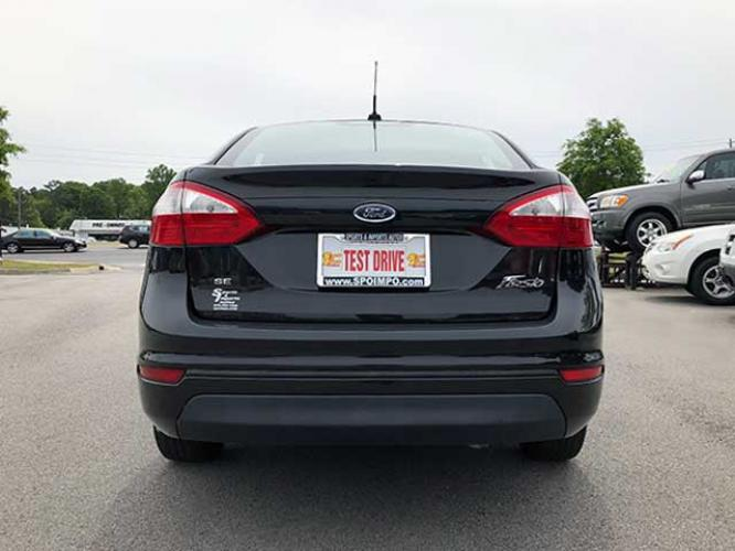 2014 Ford Fiesta SE Sedan (3FADP4BJ5EM) with an 1.6L L4 DOHC 16V engine, located at 4247 Buford Drive NE, Buford, GA, 30518, (678) 450-1000, 34.086857, -83.993004 - Photo #3